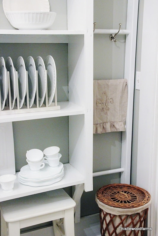 The ladder is a great accent in the butler's pantry