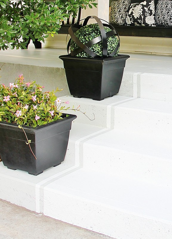How to paint stripes on your porch steps