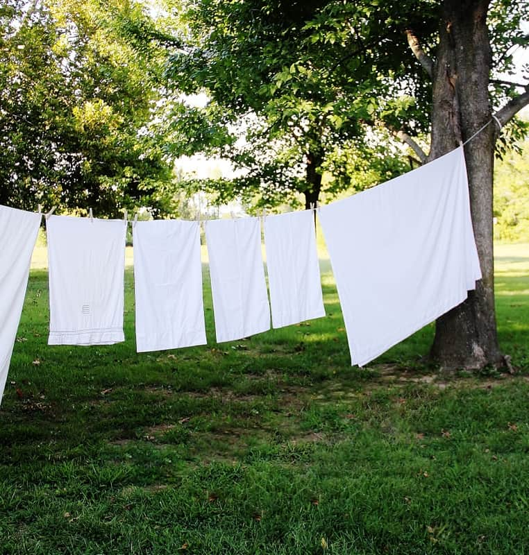 Simple Tips to Dry Laundry Outside