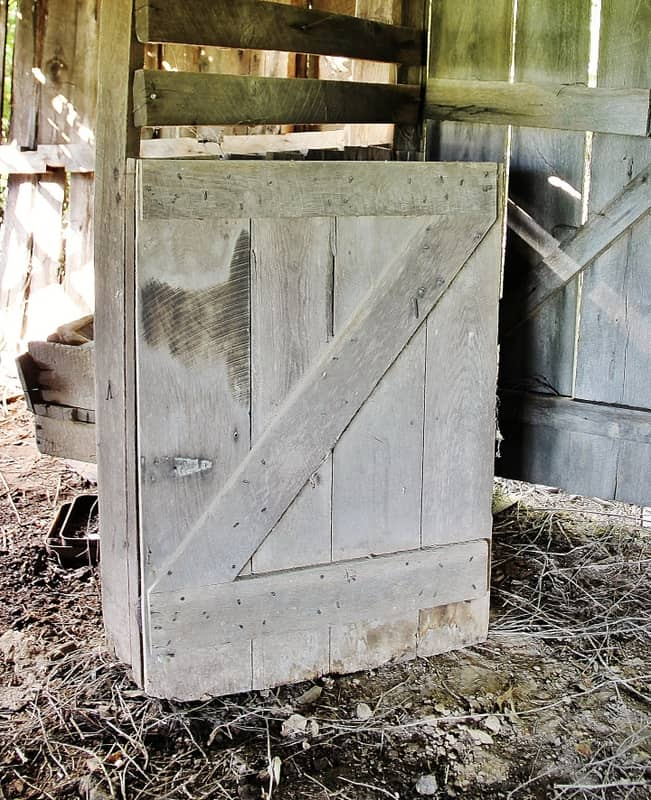 This stable barn door is a great accent piece