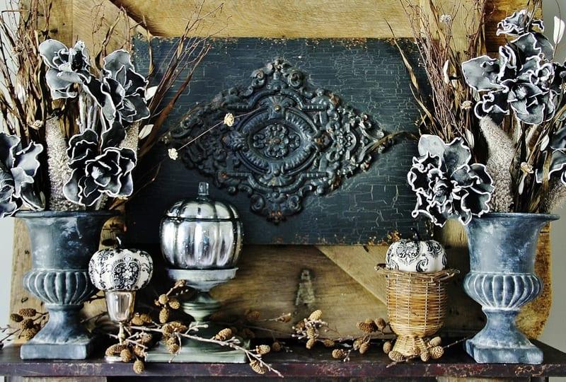 fall_mantel_black_and_cream