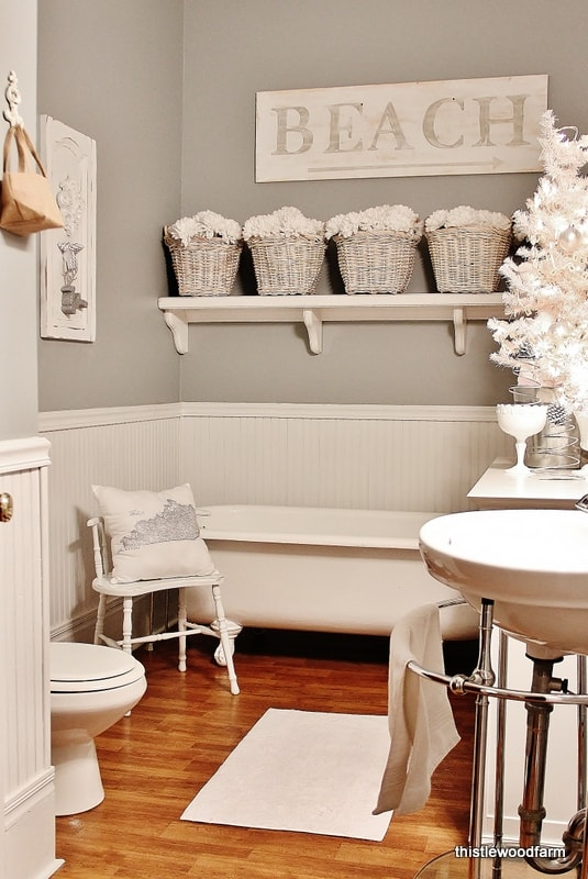 Christmas-Home-tour-bathroom