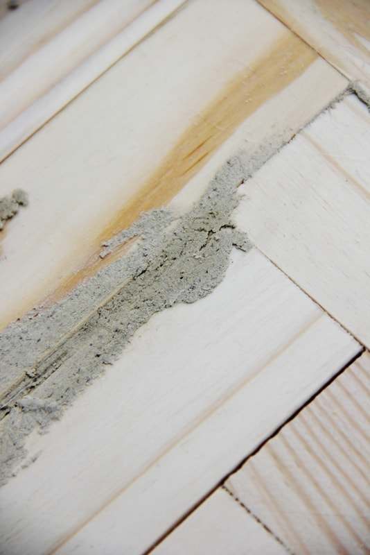 Fill the gaps with wood putty