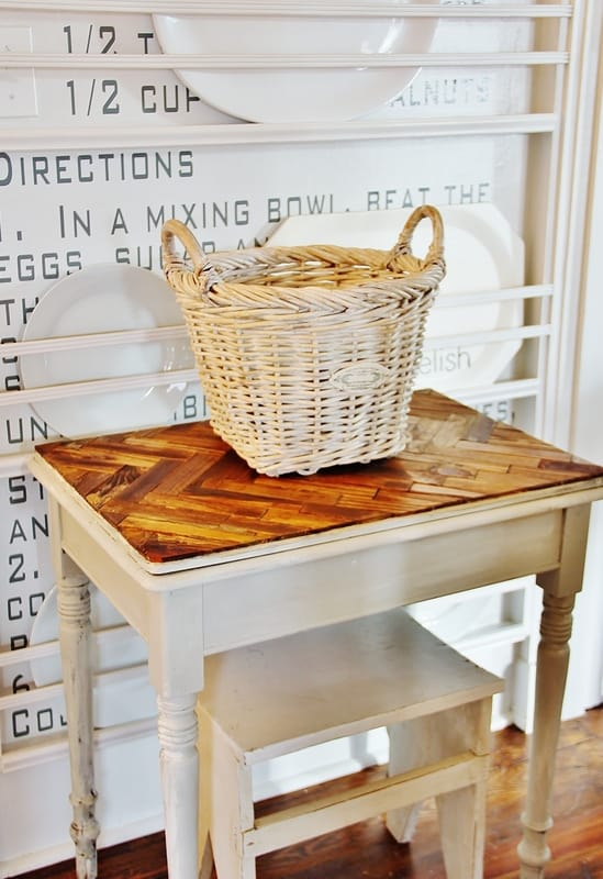 Herringbone Paint Stick Table- doesn't it look amazing?