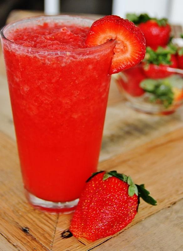 Skinny Strawberry Smoothie Thistlewood Farm