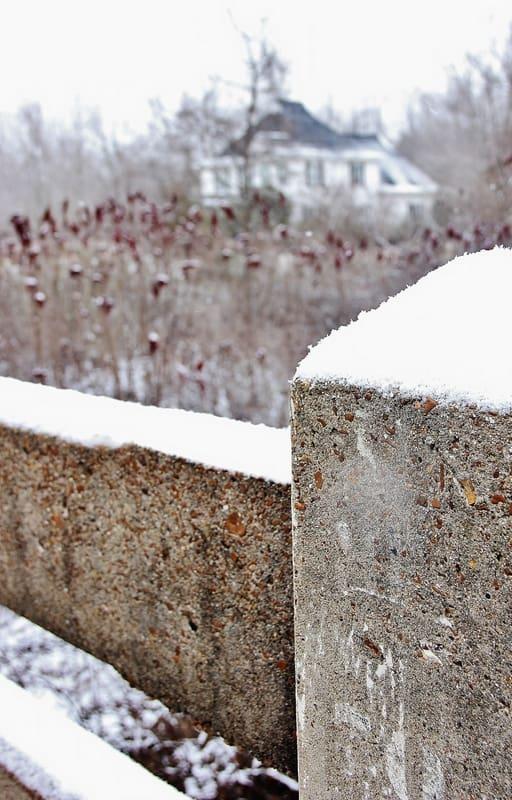 Winter-Countryside-Farmhouse
