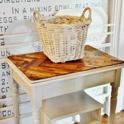 Paint stick table 250 x 250