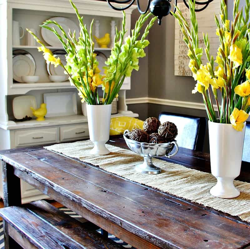 yellow-and-gray-table-setting - Thistlewood Farm