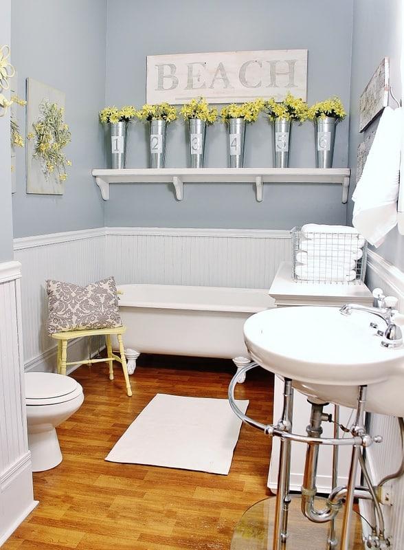 Farmhouse Bathroom Decorating Ideas | Thistlewood Farms