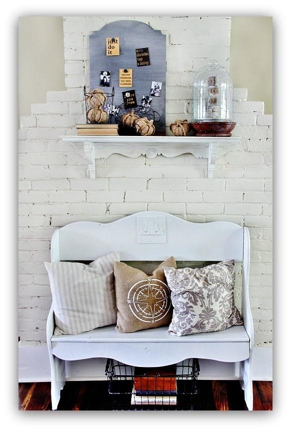 fall-home-tour-kitchen-bench