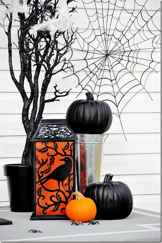 halloween-front-door-pumpkin