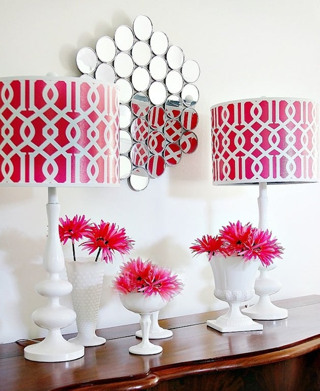 This wall mirror is so easy to make- and inexpensive!