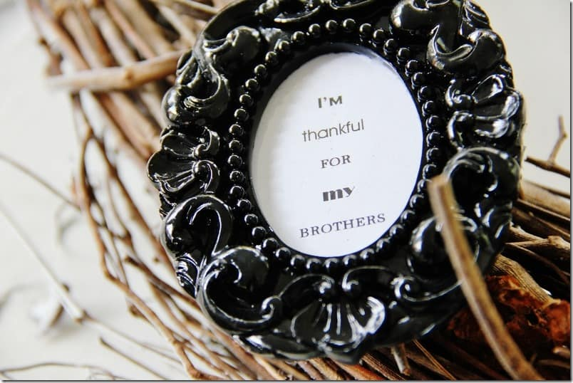 picture-frame-wreath-thankful