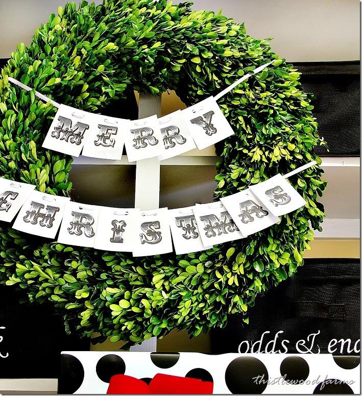Christmas-decorating-wreath