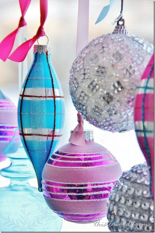 decorate-a-window-with-ornaments-how-to