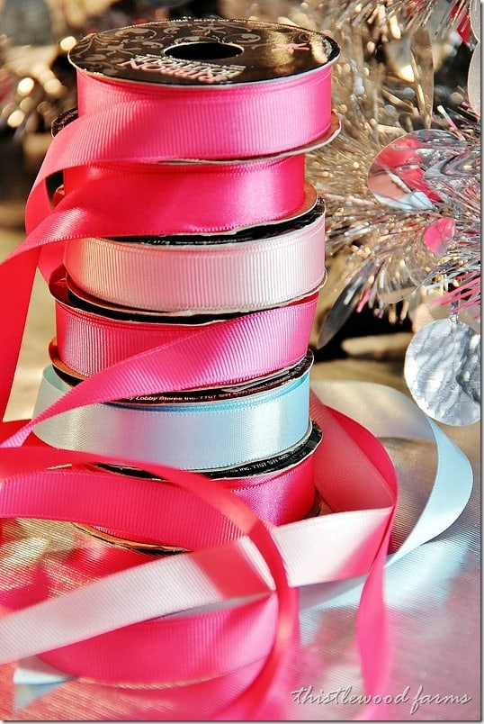 decorate-a-window-with-ornaments-ribbon