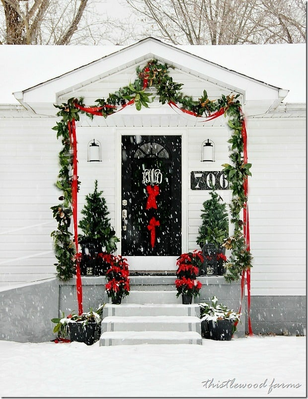 gatehouse-Christmas-in-the-snow