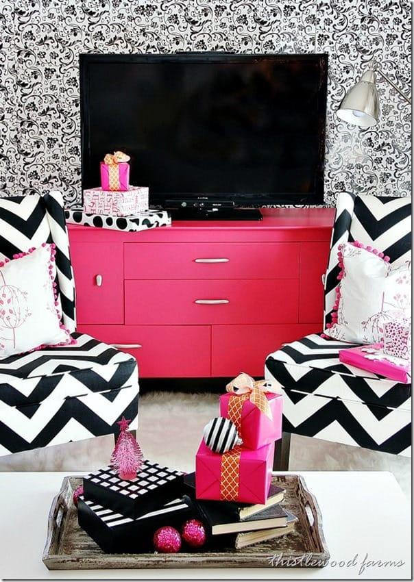 pink-Christmas-living-room