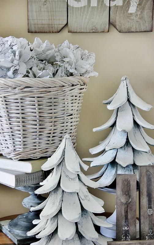 winter-decorating-Christmas-trees