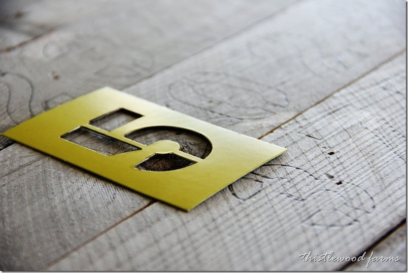 reclaimed-wood-sign-how-to