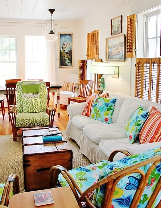 beach-cottage-style-chairs