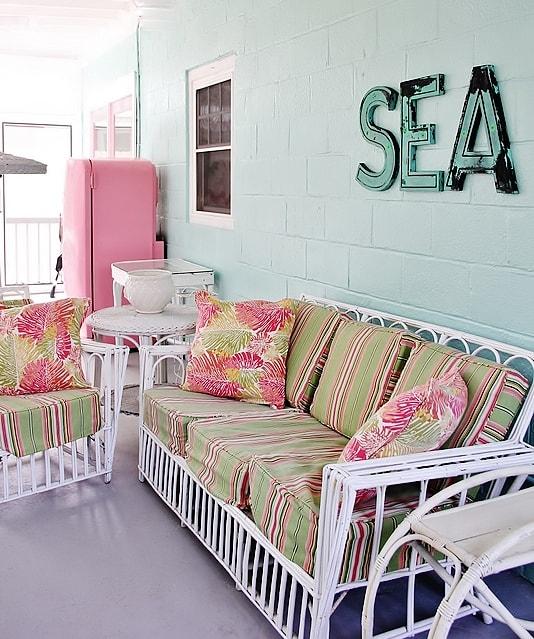 beach-cottage-style-porch