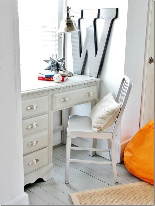 orange-and-gray-room-desk
