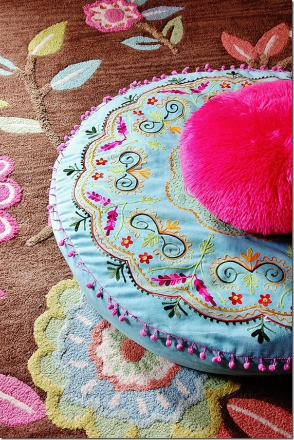 pink-and-brown-girls-room-pouf