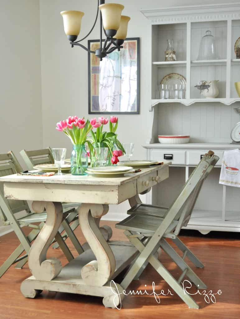 Pretty-cottage-kitchen-771x1024