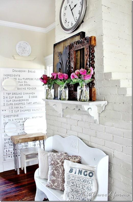 farmhouse-kitchen-spring-flower-decorations