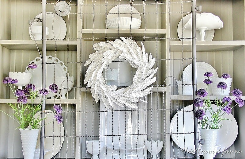 how-to-make-a-paper-feather-wreath-diy.jpg