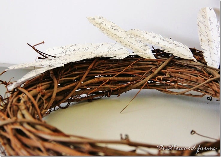 how-to-make-a-paper-feather-wreath-idea
