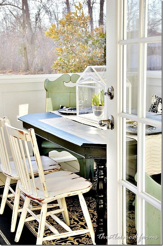 screened-in-porch-spring-decorating