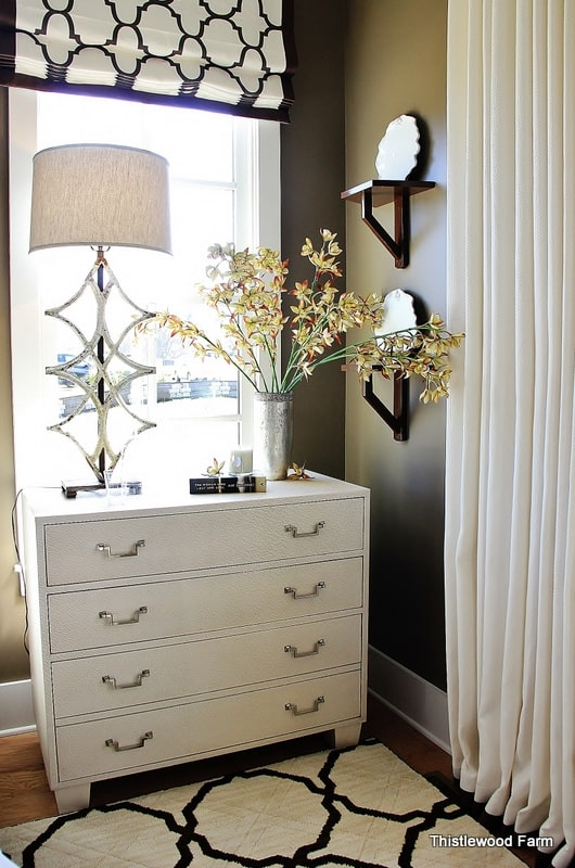 decorate-with-color-brown-and-white