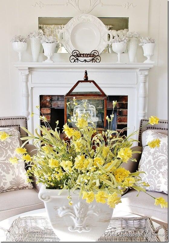 Spring daffodil decorations