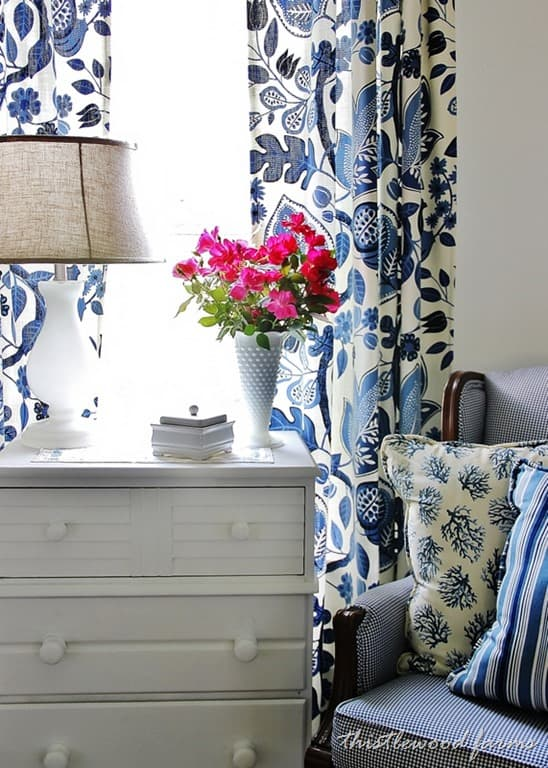 thistlewood-blue-and-white-room.jpg