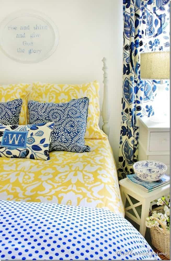 blue-and-yellow-farmhouse-bedroom_thumb.jpg