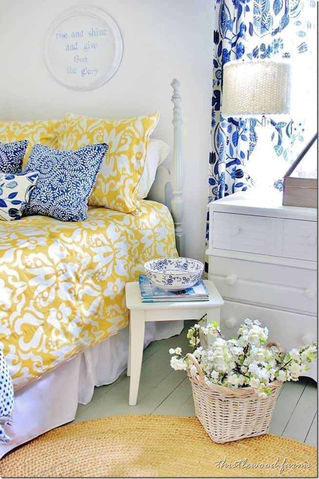 blue-and-yellow-guest-bedroom_thumb.jpg