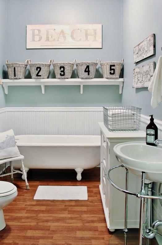 Ten Minute Decorating Idea For A Farmhouse Bathroom