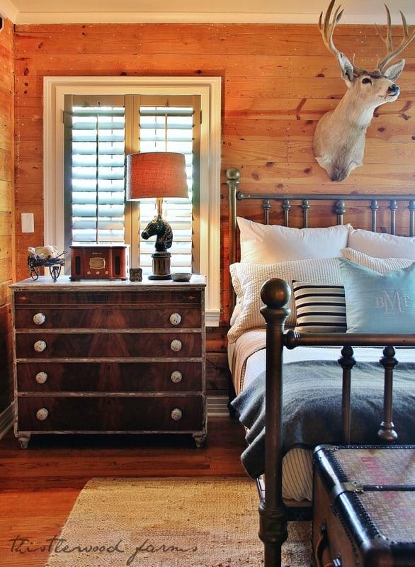 rustic bedroom side