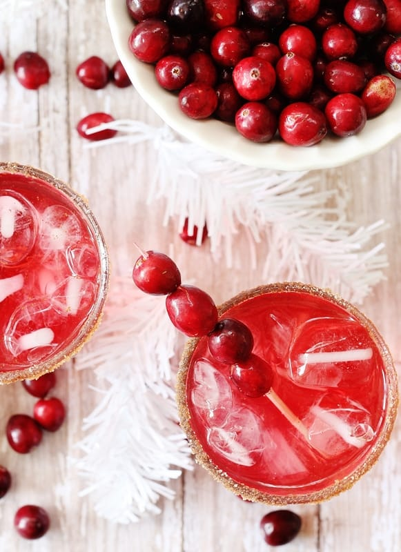 This cranberry fizz mocktail is delicious