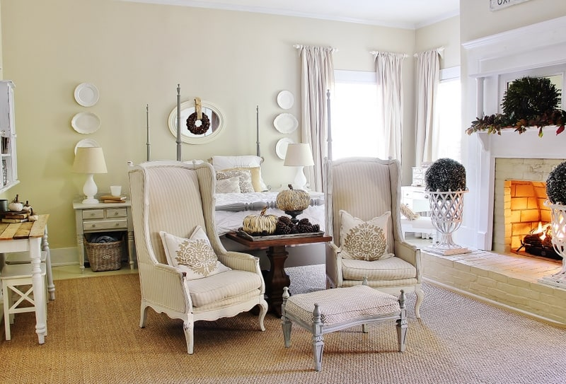 master bedroom fall decorating