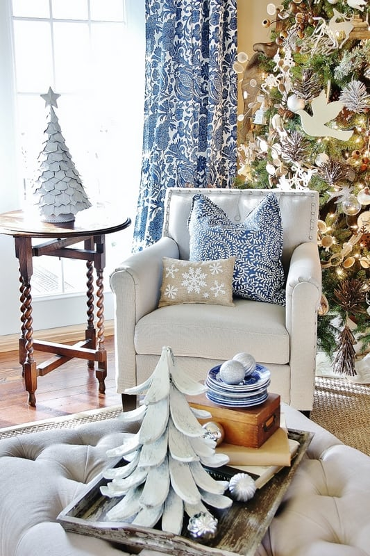 Blue and white decorating Christmas