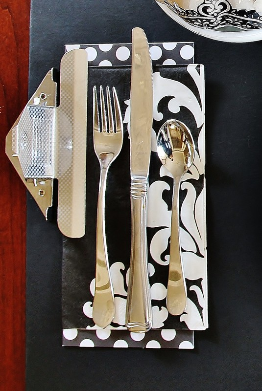 Thanksgiving Table Setting Ideas Black and White