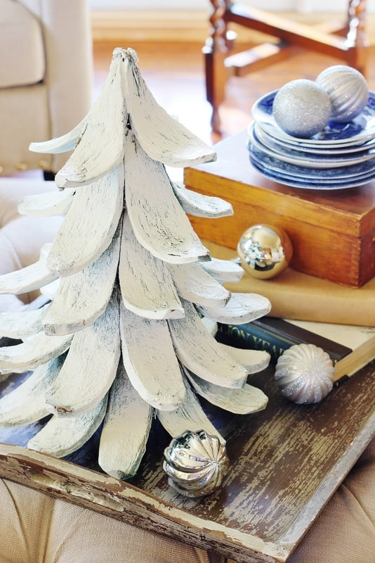 blue and white Christmas decorating