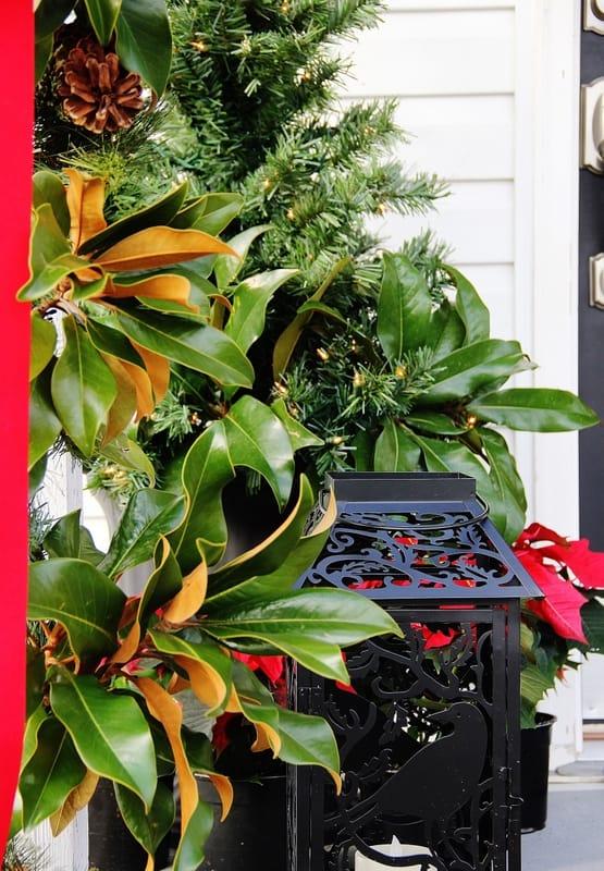 front-door-decorating-ideas-Christmas