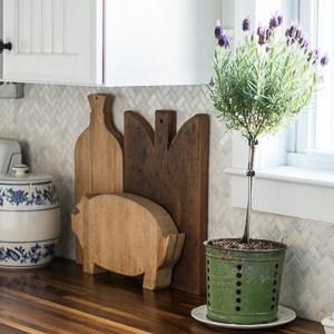 Unique bread boards in the kitchen