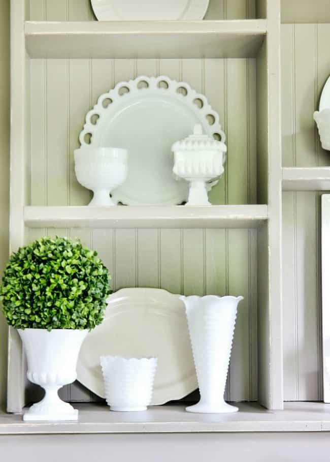 hutch dining room