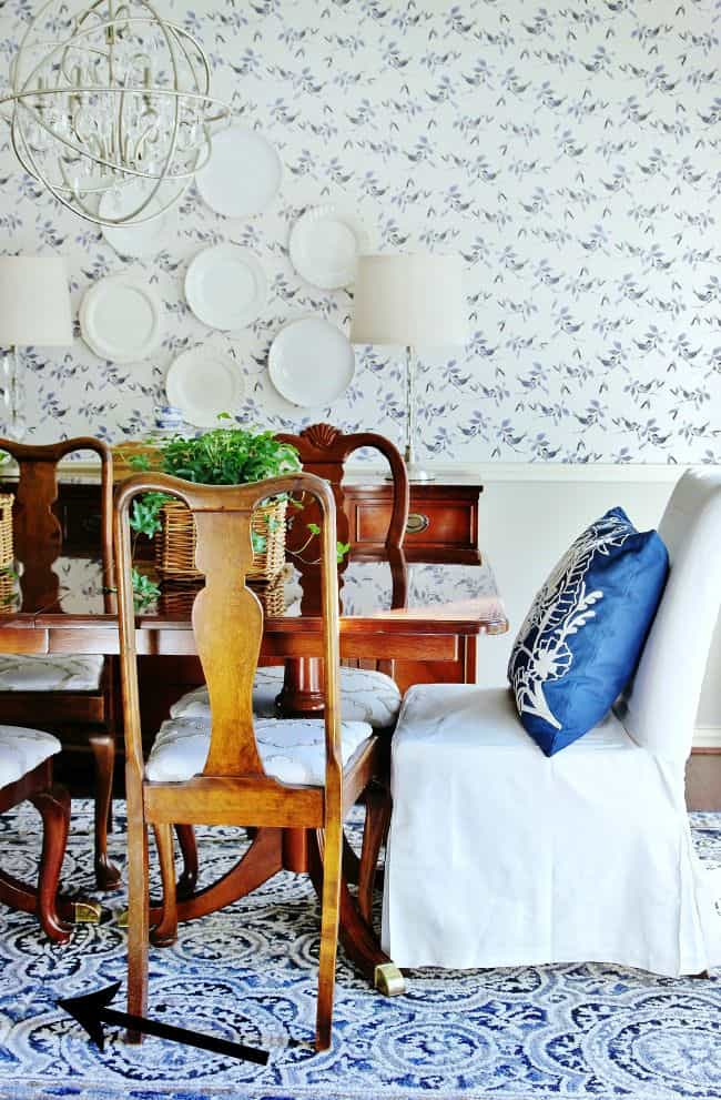 dining-room-blue-and-white-after-arrow