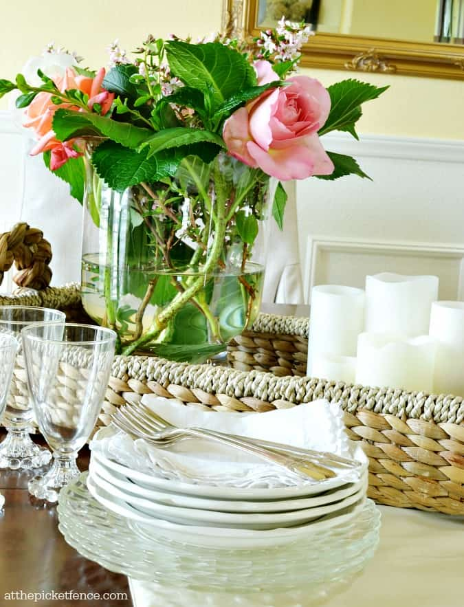 summer-dining-room-centerpiece